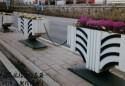 泉城广告新禁车方案!几十只花箱隔离替换传统隔离护栏